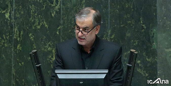 حملات تند نماینده احمدینژادی: نمیگذاریم مذاکرات استخوان لای زخم باشد/ باید مانند گاندی زندگی کنیم