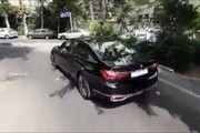 ببینید |  رونمایی از خودروی لاکچری ۶.۵ میلیاردی در دادگاه مدیران سابق بانک مرکزی