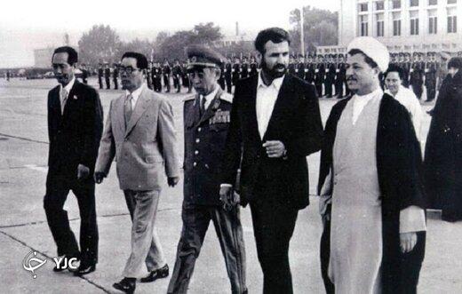 تصویری از آیت الله هاشمی در کنار یک فرمانده نظامی محبوب