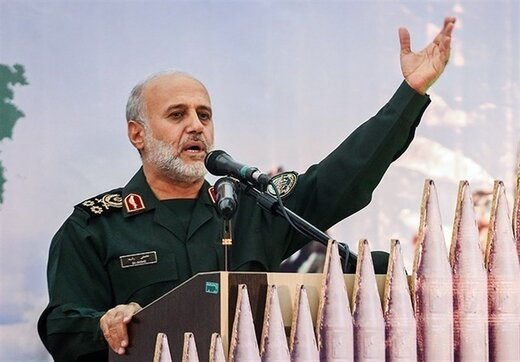 دیدار فرمانده قرارگاه مرکزی خاتم الانبیاء با خانواده شهید کوسهچی