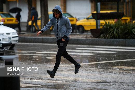 هواشناسی نسبت به تداوم رگبار باران در نقاط مختلف کشور هشدار داد