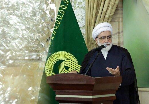 واکنش  تولیت آستان قدس به اظهارات مکرون: آزادی در غرب یک دروغ بزرگ است/سران کشورهای غربی آزادی را حبس و زندانی کردند