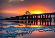 پلی که دریاچه ارومیه را دو قسمت کرد؛ میانگذر بعد از ۱۳سال اصلاح میشود؟