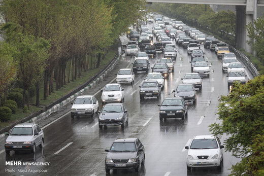 ترافیک سنگین در ورودی پایتخت/ کاهش ۱۲ درصدی تردد نسبت به روز قبل