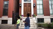 ببینید | قوانین عجیب در آمریکا برای جلوگیری از خانهدار شدن سیاهپوستان!