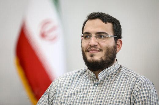 پذیرایی از هنرمندان با اسپری فلفل/ واکنش رییس حوزه هنری به اتفاقِ اصفهان