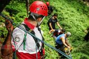 تصاویر | انتقال جسد کشف شده یک زن در ارتفاعات جهان نما کردکوی