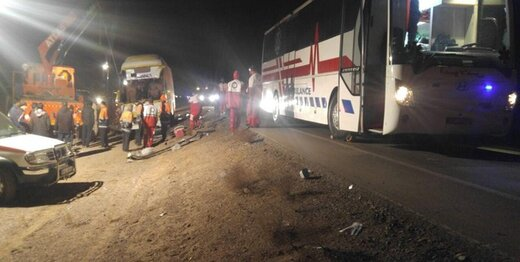 تصادف شدید اتوبوس اسکانیا و کامیون