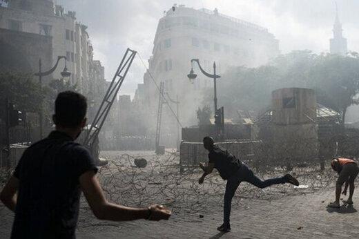 ببینید   تصاویری از ادامه درگیری و اغتشاشات مشکوک در بیروت علیرغم استعفای نخست وزیر لبنان