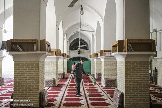 نماز جماعت در مسجد فُرط،قدمگاه امام رضا (ع)