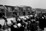 ببینید | تصاویر خاطره انگیز از بازگشت آزادگان به میهن و بیانات رهبر انقلاب