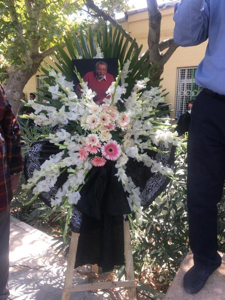 5444433 - خاکسپاری بهمن مفید با حضور چهره های مشهور سینما