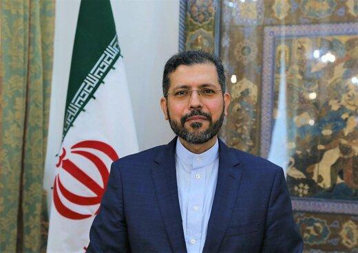 بازدید خطیبزاده از موزه دفاع مقدس در تهران/عکس