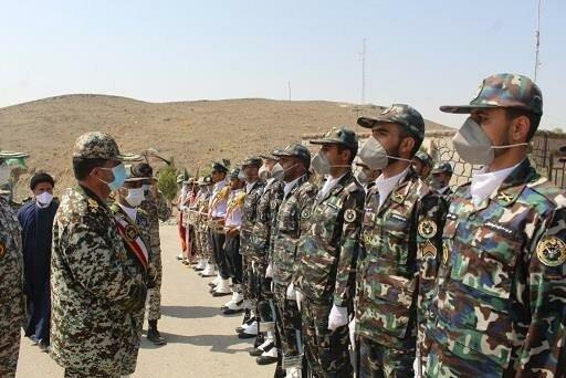 بازدید فرمانده نیروی هوایی از یگانهای ارتش/ قدرت دفاعی ما برای ملت پشتوانه امنیت است