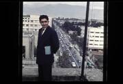 ببینید   عکس دیده نشده از عزتالله انتظامی با چشمانداز خیابان فردوسی در دهه ۳۰