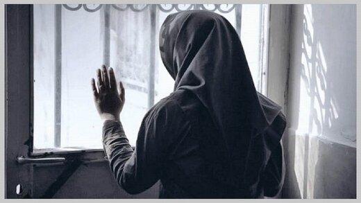 شوهر صیغه ای ام که قبلا می گفت اگر از او جدا شوم خودکشی می کند، مرا از خانه بیرون انداخت