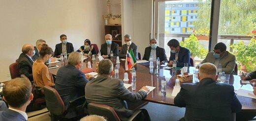 دستیار ظریف با نماینده پوتین دیدار کرد/تأکید ایران بر همکاری کشورهای ضامن روند آستانه
