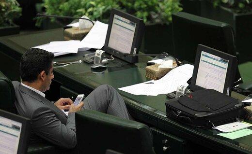 مجلس پای دستگاه های امنیتی را به شبکههای اجتماعی باز می کند؟ /عزیزی: مجلس به دنبال بگیر و ببند نیست اما...