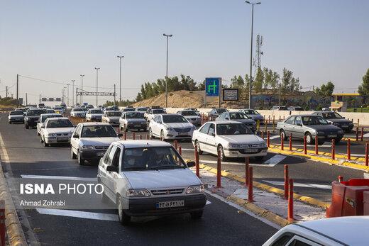تصاویری عجیب از ورودی اتوبان تهران - قم در شروع تعطیلات