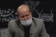 ببینید | اشک طراح درب های ایوان طلای حضرت ابوالفضل در برنامه مخاطب خاص