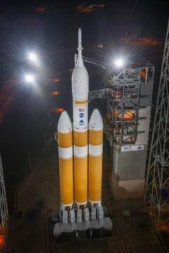 موشک دلتا 4 هوی در لحظه پرتاب متوقف شد