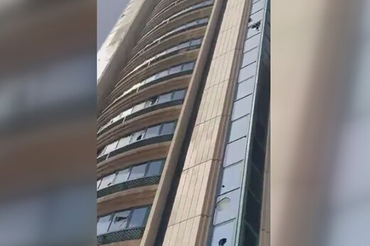 ببینید   انفجار در رستوران KFC و هاردیس در ابوظبی