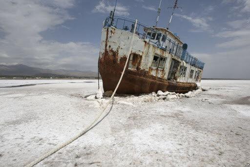 فشار برخی نمایندگان برای سدسازی در ارومیه/ دریاچه باز خشک میشود؟
