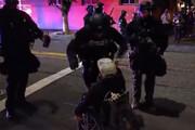 ببینید | پلیس نژادپرست آمریکا به معلولان هم رحم نمی کند