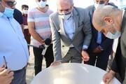 بازدید دبیر شورای عالی مناطق آزاد از مزرعه ۲۰۰ هکتاری پرورش میگو در نقاشه قشم