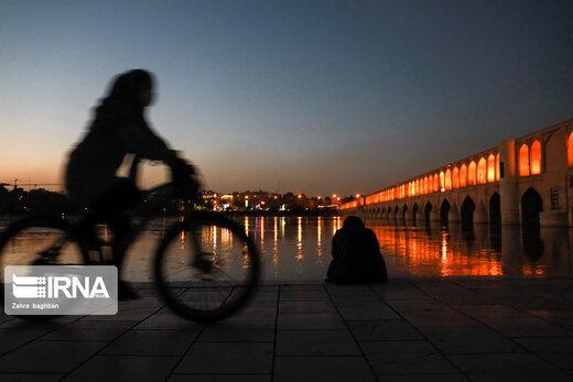 روزهای کرونایی در سی وسه پل