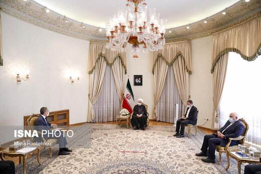 Rouhani: Iranians not to succumb to bullying