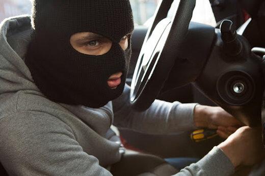 ببینید |  سرقت خودروی 100 میلیونی در چند ثانیه