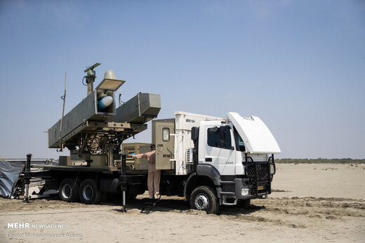 شلیک موشک قادر در رزمایش ذوالفقار ۹۹ ارتش