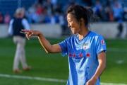 عضویت یک فوتبالیست زن در تیم مردان