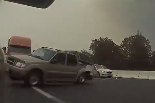 ببینید | تصادف زنجیرهای وحشتناک در کالیفرنیا