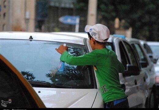 کودکان کار تهرانی تست کرونا میدهند