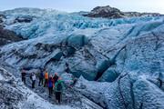 ببینید | لحظات هیجانانگیز عبور از صخرههای یخی