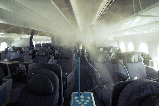 رباتهایی که هواپیماها را برای مقابله با کروناویروس ضدعفونی میکنند