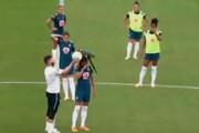 ببینید | مهمان ناخوانده در تیم ملی فوتبال زنان برزیل