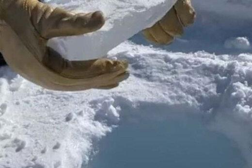 ببینید | نمونه یخ نه اینچی هنگام افتادن از سوراخ یخچال 450 ′ قطب جنوب