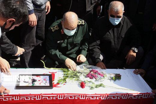 تصویری متفاوت از همنشینی فرمانده کل سپاه و وزیر ارشاد