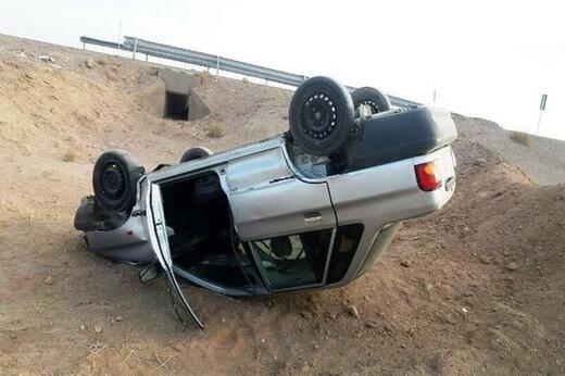 ببینید | لحظه وحشتناک واژگونی پراید در شانه خاکی جاده
