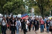 هزاران نفر  واشنگتن برای پیروزی ترامپ دست به دعا شدند