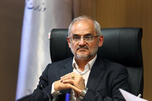 حاجی میرزایی: دیگر روند پرداخت مطالبات فرهنگیان را رسانهای نمیکنم