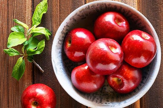 ۴۰ هزار تن سیب از باغ های نهاوند برداشت می شود