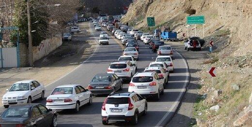 ترافیک بامدادی در جاده کندوان سنگین است