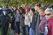 ببینید | مخالفان استفاده از ماسک در مرز آلمان و سوئیس جنجالساز شدند!