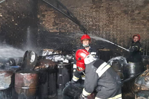 ببینید | انفجار و آتشسوزی بزرگ در شهرک صنعتی چهاردانگه