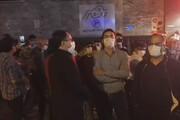 ببینید | آوازخوانی هواداران شجریان مقابل بیمارستان جم