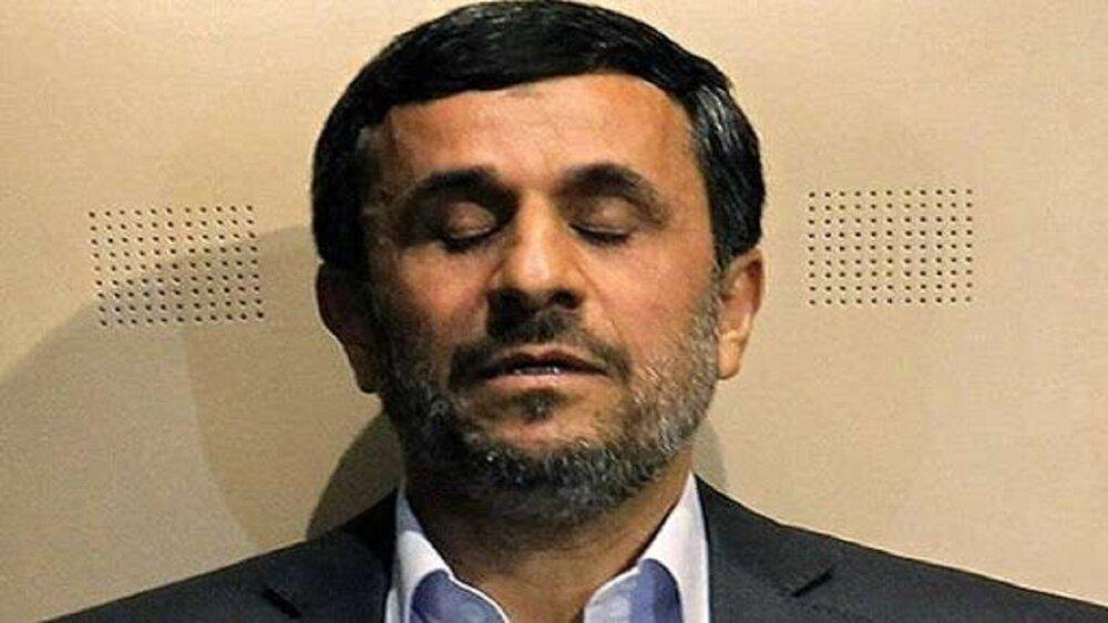 احمدی نژاد و شیرینکاری هایی که هر لحظه به روز می شو.د